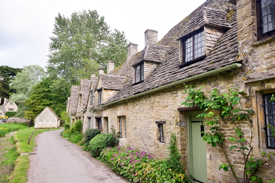 Exploring Cotswolds: 5 Things Not to Miss
