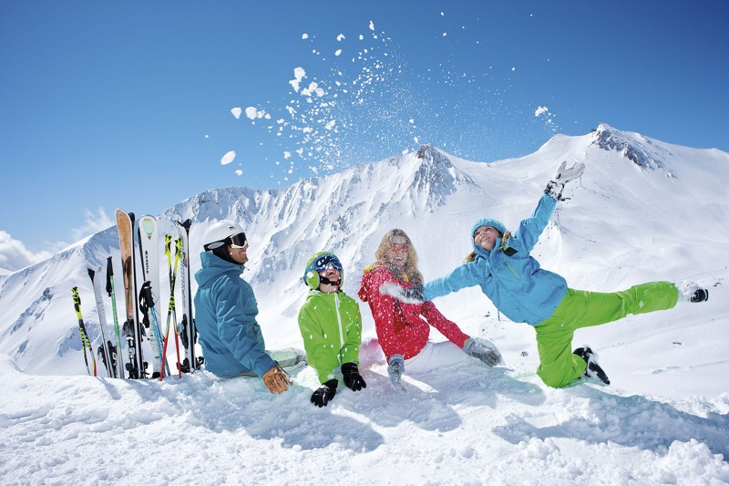 Making Family Ski Holidays Fun Off-Piste: The Top 5 Things to do Off the Slopes